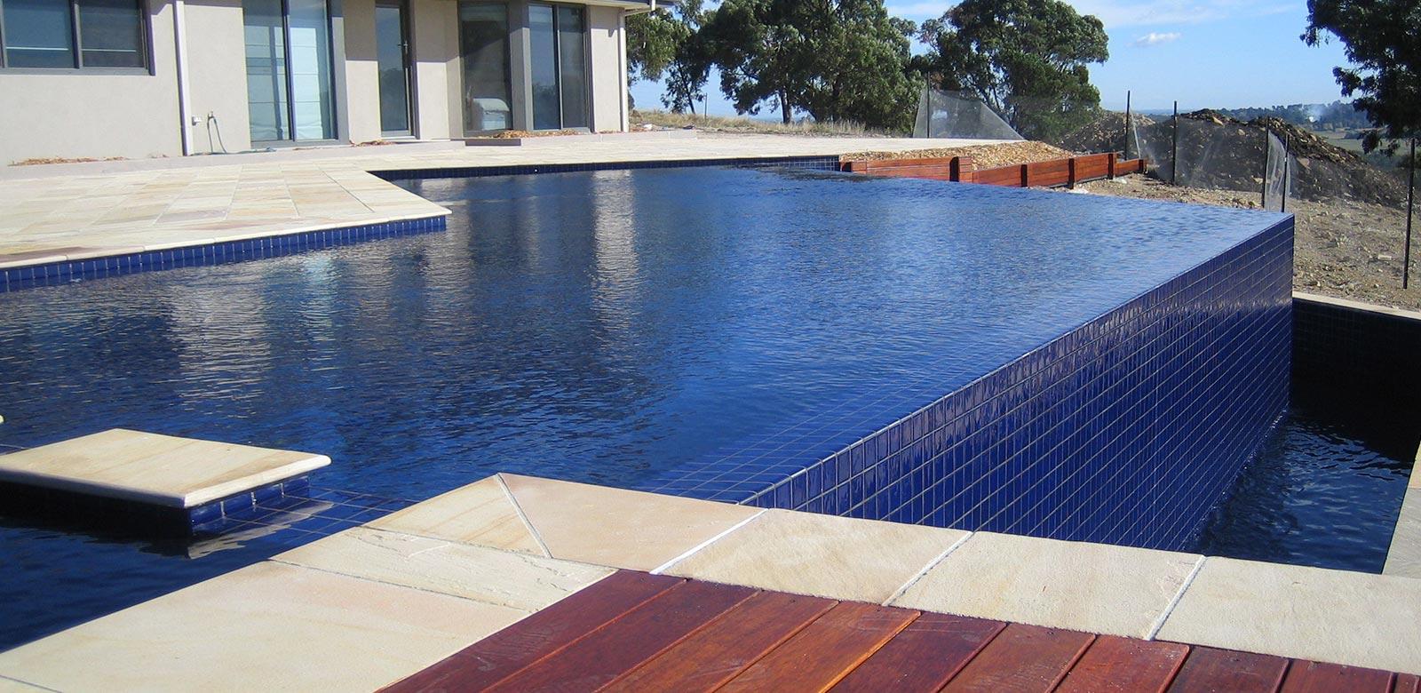 infinity pool edge