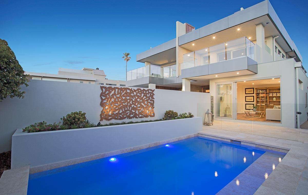 courtyard swimming pool design