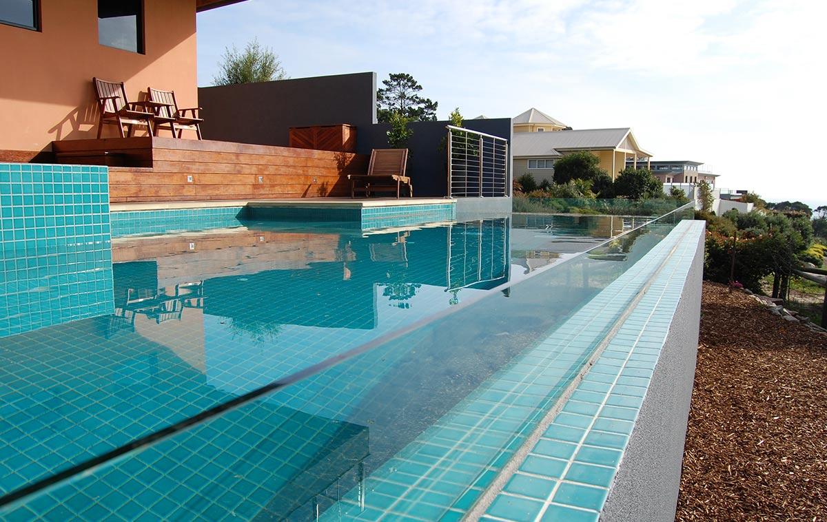 glass edge pools