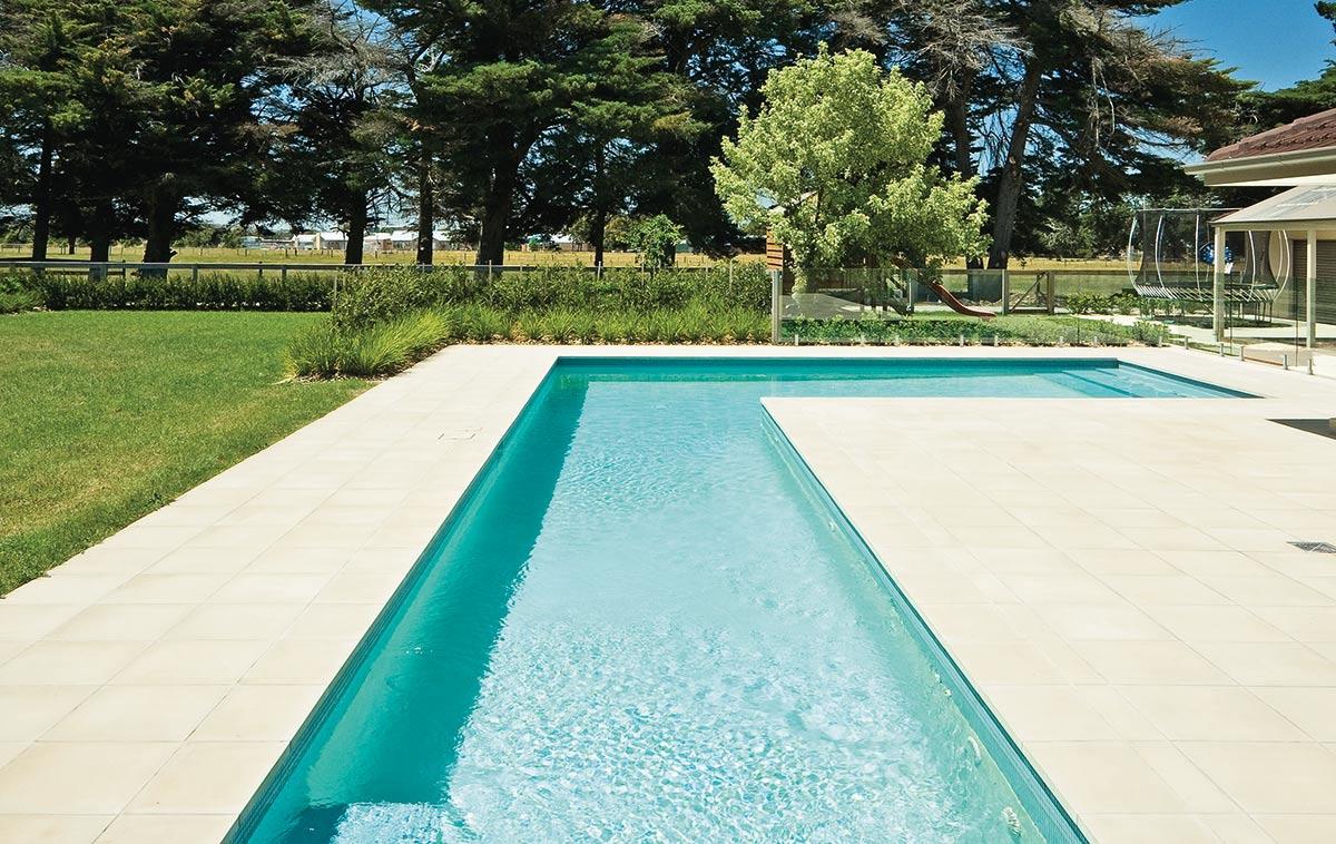 inground pool construction