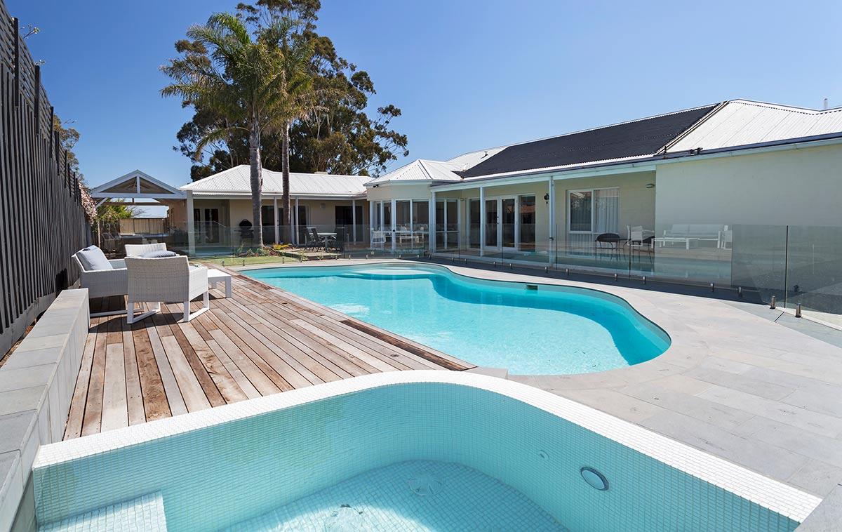 natural swimming pool builders